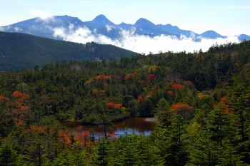 七ツ池と八ヶ岳(9月30日撮影) Photo by Kenji Shimadate