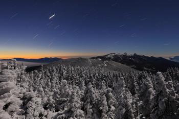 夜明け前(12月31日撮影) Photo by Kenji Shimadate