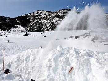 坪庭周遊路の除雪作業