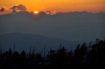 穂高岳に沈む夕陽