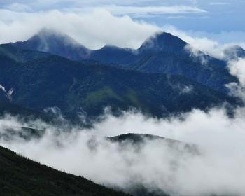 雲間の南八ヶ岳