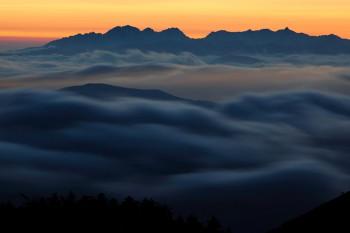 宵闇の雲海
