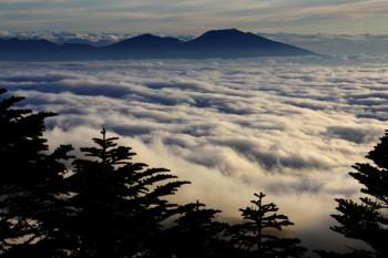 雲表の浅間山