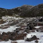 残雪の春山へ
