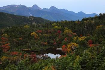 七ツ池と南八ヶ岳(9月24日撮影) Photo by Kenji Shimadate