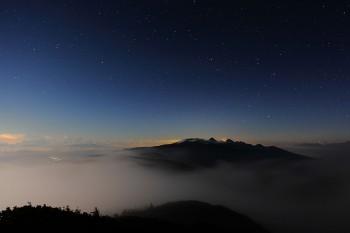 月夜の流雲 Photo by Kenji Shimadate
