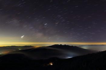 夜明け前の星空(2月17日撮影) Photo by Kenji Shimadate
