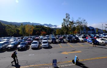 ロープウェイ山麓駅駐車場