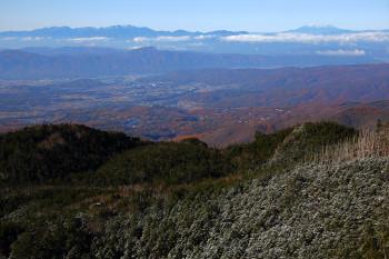 北横岳南峰からの眺望 Photo by Kenji Shimadate